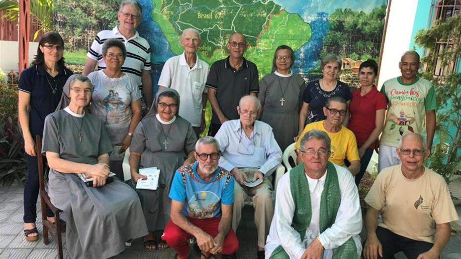 Irmãos, Leigos e Leigas da Rede Marista realizam atividades preparatorias para a Assembléia dos Bispos em Roma