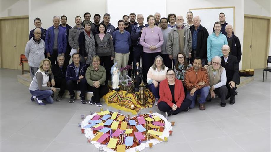 Iniciativa que fortalece a partilha de vocações de Irmãos Maristas e membros do Laicato, composto por pessoas que se identificam profundamente com o modo de viver e os ensinamentos de Champagnat.