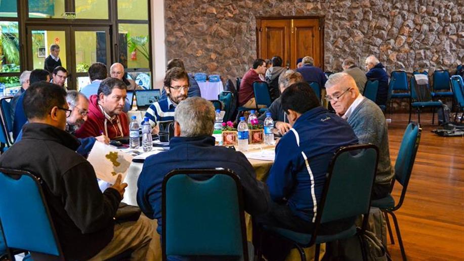 Participantes das sete equipes responsáveis pelos projetos estratégicos regionais estarão em diálogo e reflexão
