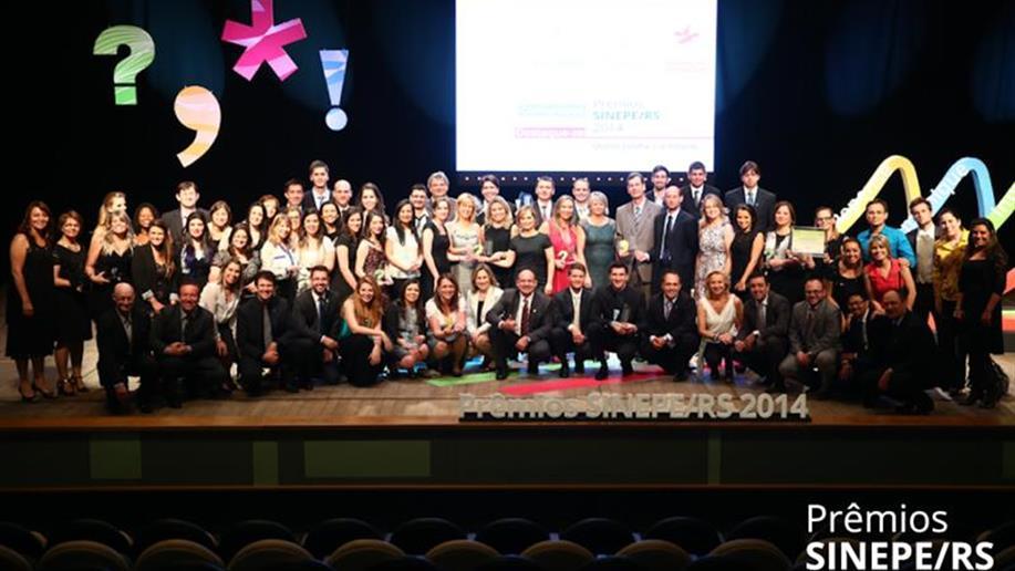 A Rede Marista recebeu, na noite de 3 de dezembro, 12 distinções durante a cerimônia que premiou iniciativas de inovação em educação, responsabilidade social e comunicação do Sindicato do Ensino Privado (Sinepe/RS).