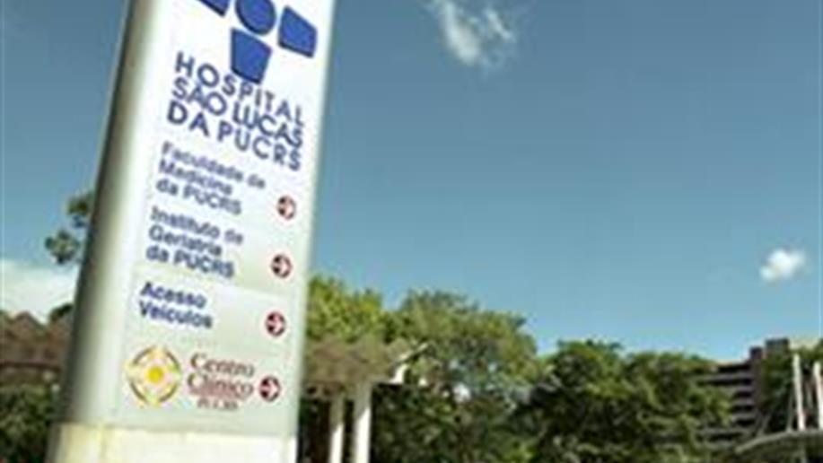 Como Hospital Universitário de natureza filantrópica, o Hospital São Lucas(HSL) atua a serviço do ensino e pesquisa da Universidade, e também no atendimento à saúde da população da Capital e interior do Rio Grande do Sul.