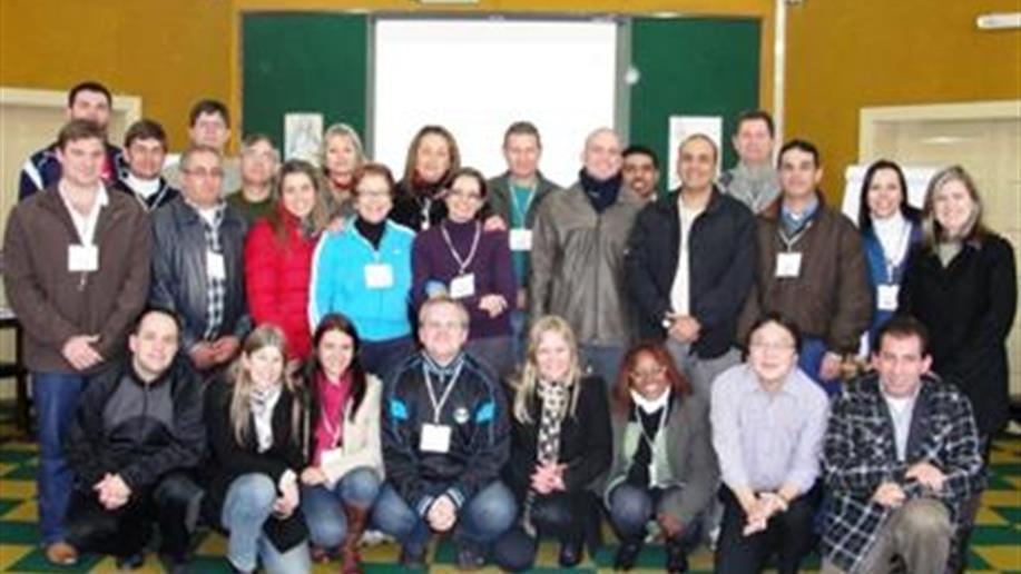 Desde o dia 30/5, 25 gestores maristas participam do Programa Formação de Líderes - in Company, promovido pelo SINEPE/RS em parceria com a Rede Marista.