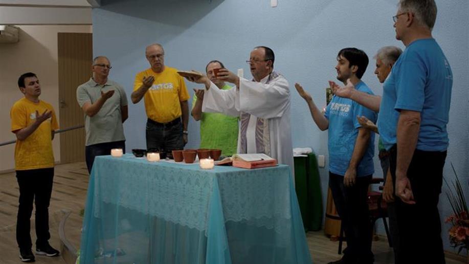 A acolhida ao novo Conselho e a simbologia de carregar, consigo, parte da diversidade que nos representa formaram a essência da celebração eucarística