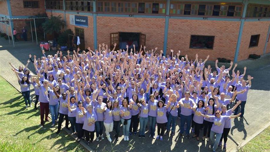No dia 2 de setembro, Irmãos, Leigos(as) e colaboradores reuniram-se em Viamão-RS, no Colégio Marista Graças, para celebrar uma década de existência do Programa Vidamar – um espaço de formação e vivência do carisma marista.