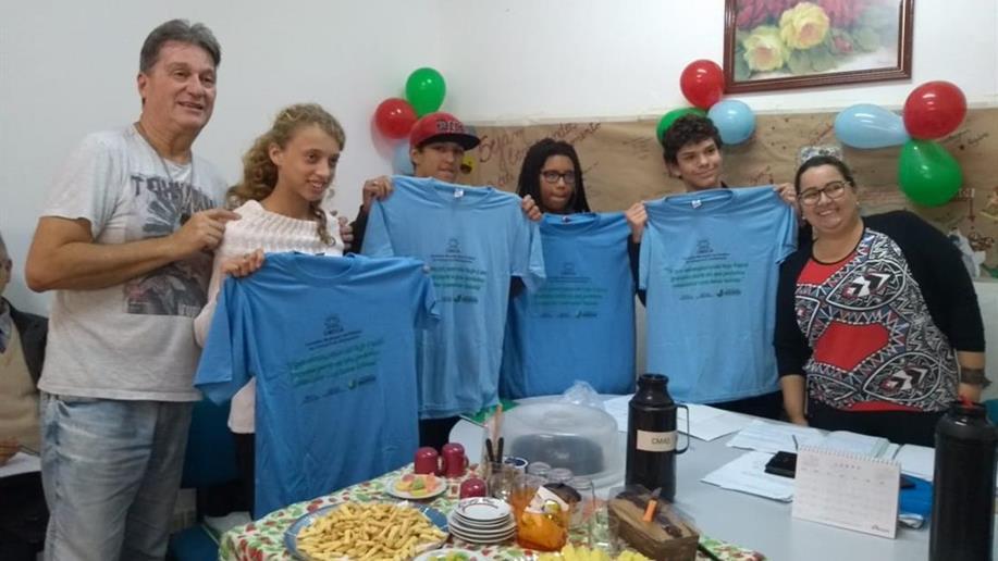 As educandas do Centro Social Marista Mário Quintana participam do Conselho Municipal da Criança e do Adolescente