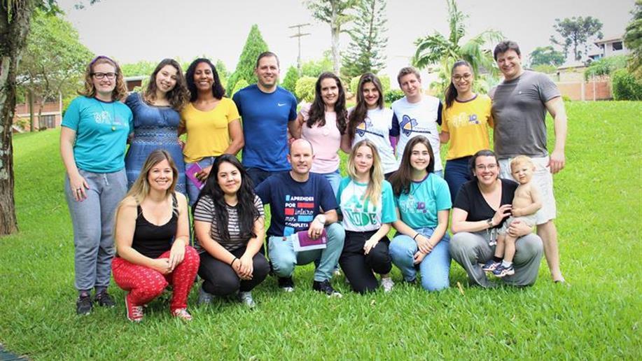 No último sábado, os primeiros integrantes do novo grupo de laicato juvenil estiveram reunidos para iniciar a caminhada do Movimento