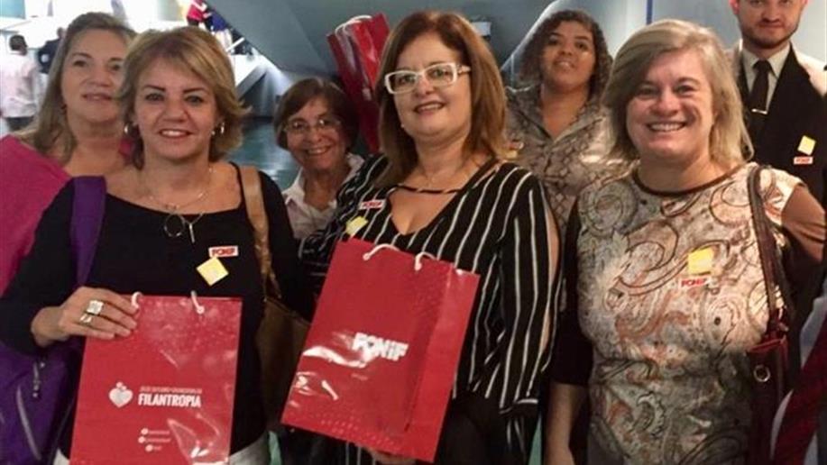 A assistente social Maria do Carmo Hernandorena representou a instituição no evento