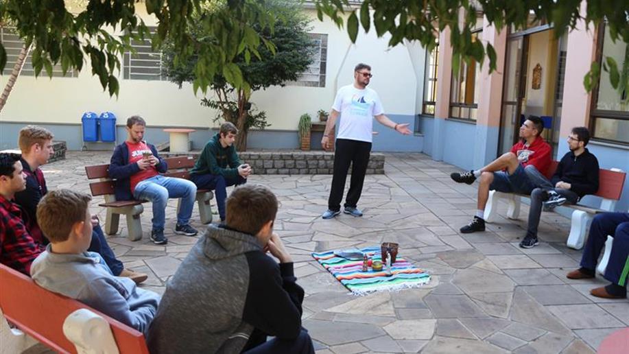 Evento reuniu jovens de diferentes cidades