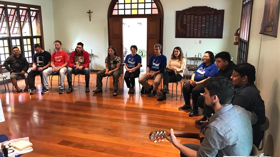 Encontro reuniu grupo no Centro Educacional Marista