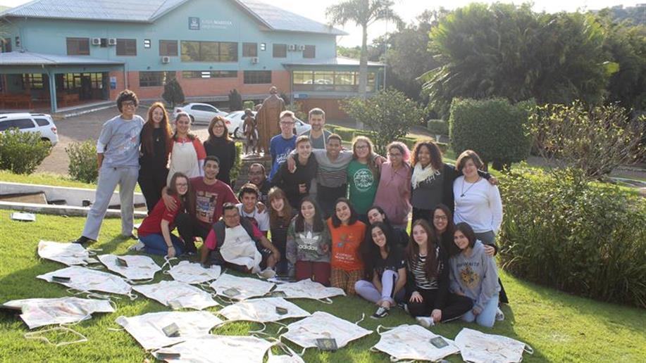 Formação, espiritualidade cristã e partilha são vivenciadas por jovens da PJM