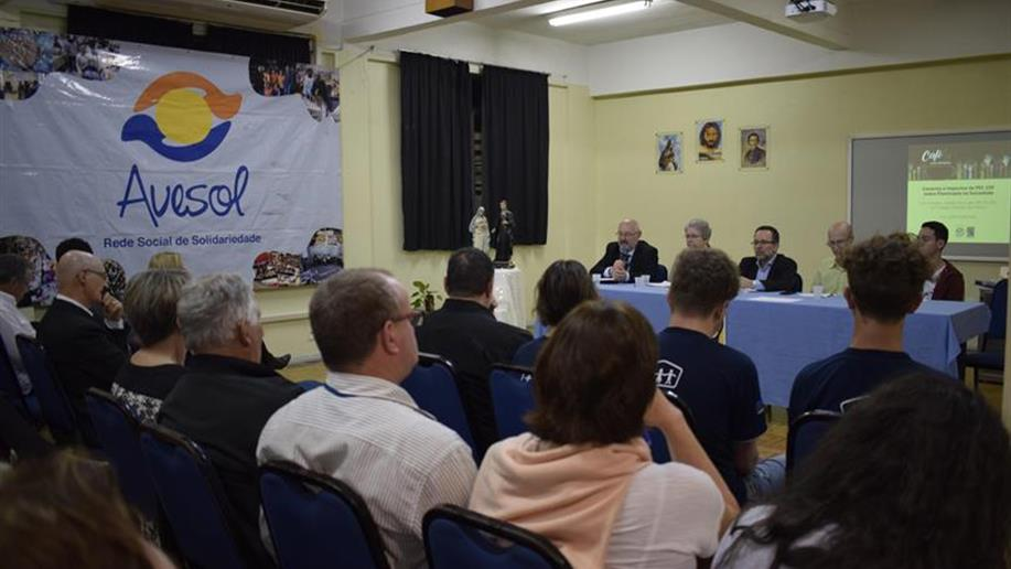 O evento contou com a presença de diferentes entidades sociais