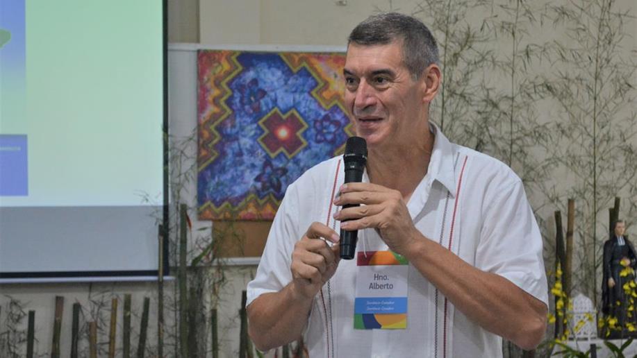 Com o novo cenário diante da crise, Ir. Alberto Aparício recorda o fundamental da missão marista