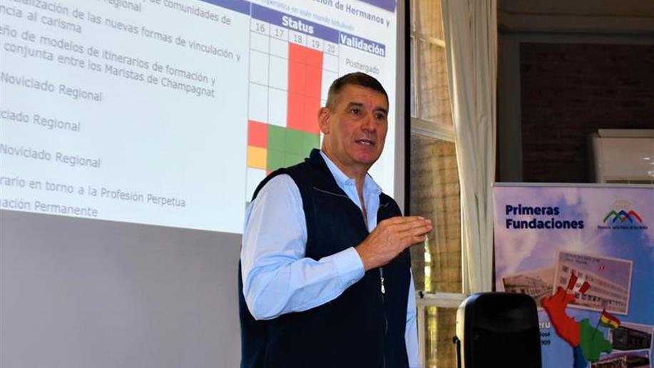 El abordaje es conducido por el Hno. Alberto Aparicio, Secretario Ejecutivo de la Región
